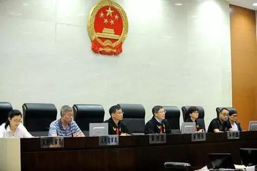 7月31日,南京市中級人民法院在第二法庭開庭審理此案。