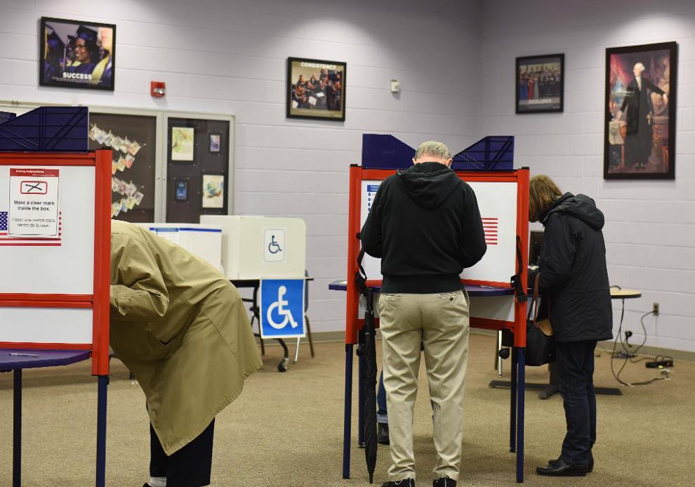 美國中期選舉丨民主黨宣布重奪眾議院控制權