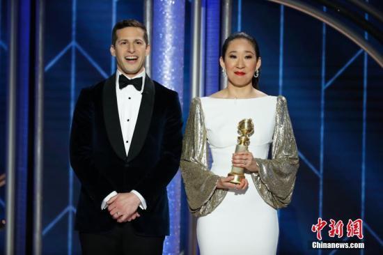 當地時間2019年1月6日,美國洛杉磯,第76屆美國電影電視金球獎頒獎禮在洛杉磯舉行。吳珊卓憑《殺死伊芙》拿下劇情類視後,吳珊卓成為第一個獲金球獎劇情類視後的亞裔,她也是第一個主持金球獎的亞裔。