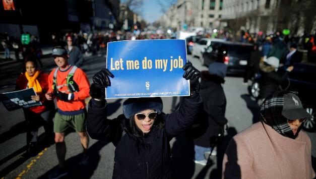 美國多地爆發以被迫休假聯邦僱員為主的抗議活動