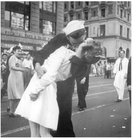 「勝利之吻」經典照