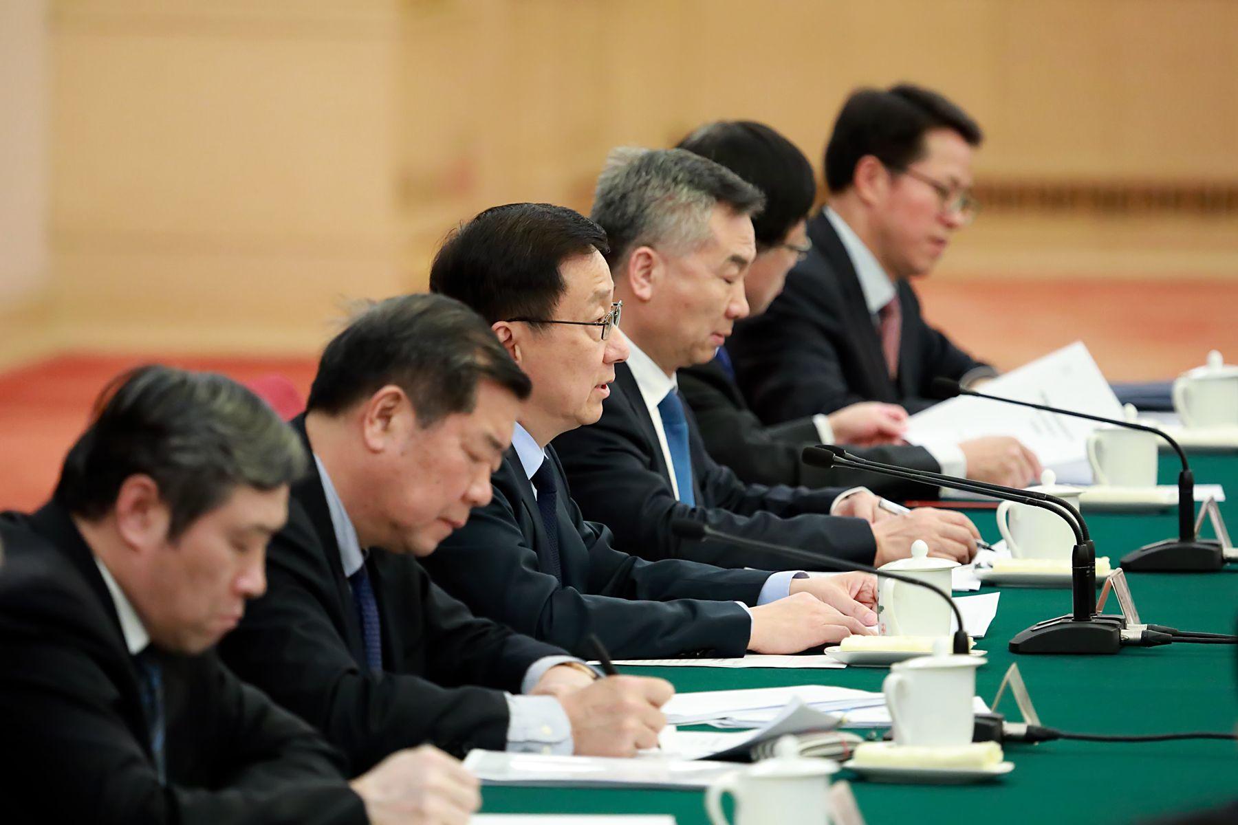 3月1日,粵港澳大灣區領導小組第二次全體會議在北京人民大會堂舉行。中央政治局常委、國務院副總理韓正主持會議並講話。