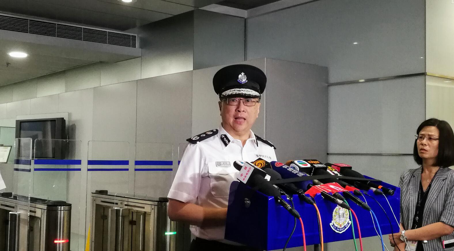 盧偉聰表示,示威者使用危險武器,警方迫不得已還擊(資料圖片)