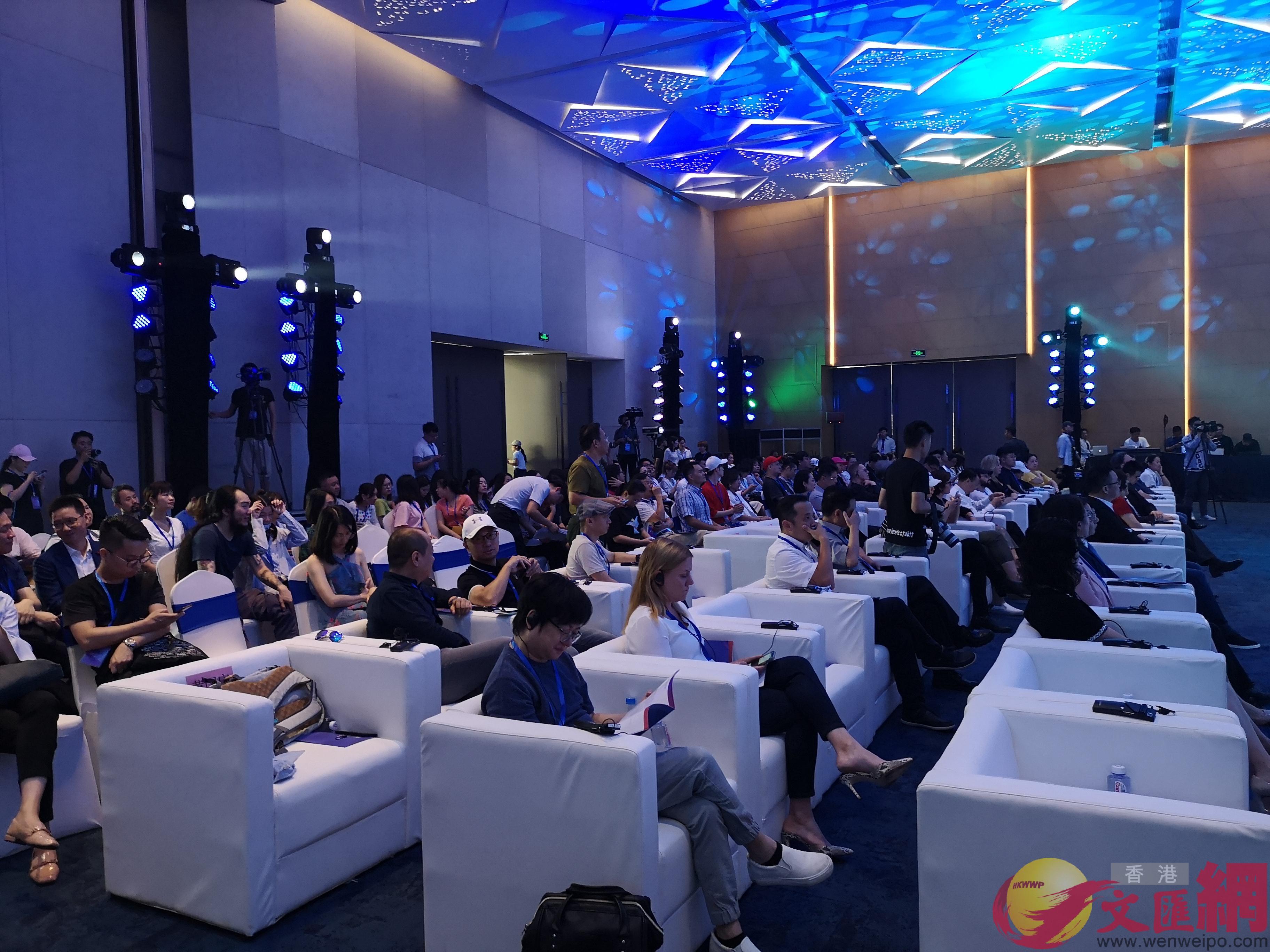 2019深圳前海•首屆國際音樂論壇現場。胡永愛攝