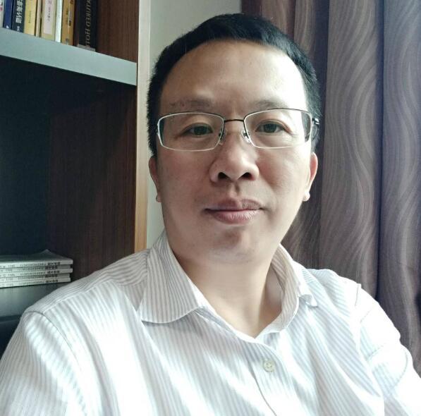 在閩港商、福建中科華鼎(福建)投資公司經理盧祖猛表示,希望大家多一點包容和理解,一起支持香港特區政府,支持香港警方(記者蘇榕蓉攝)