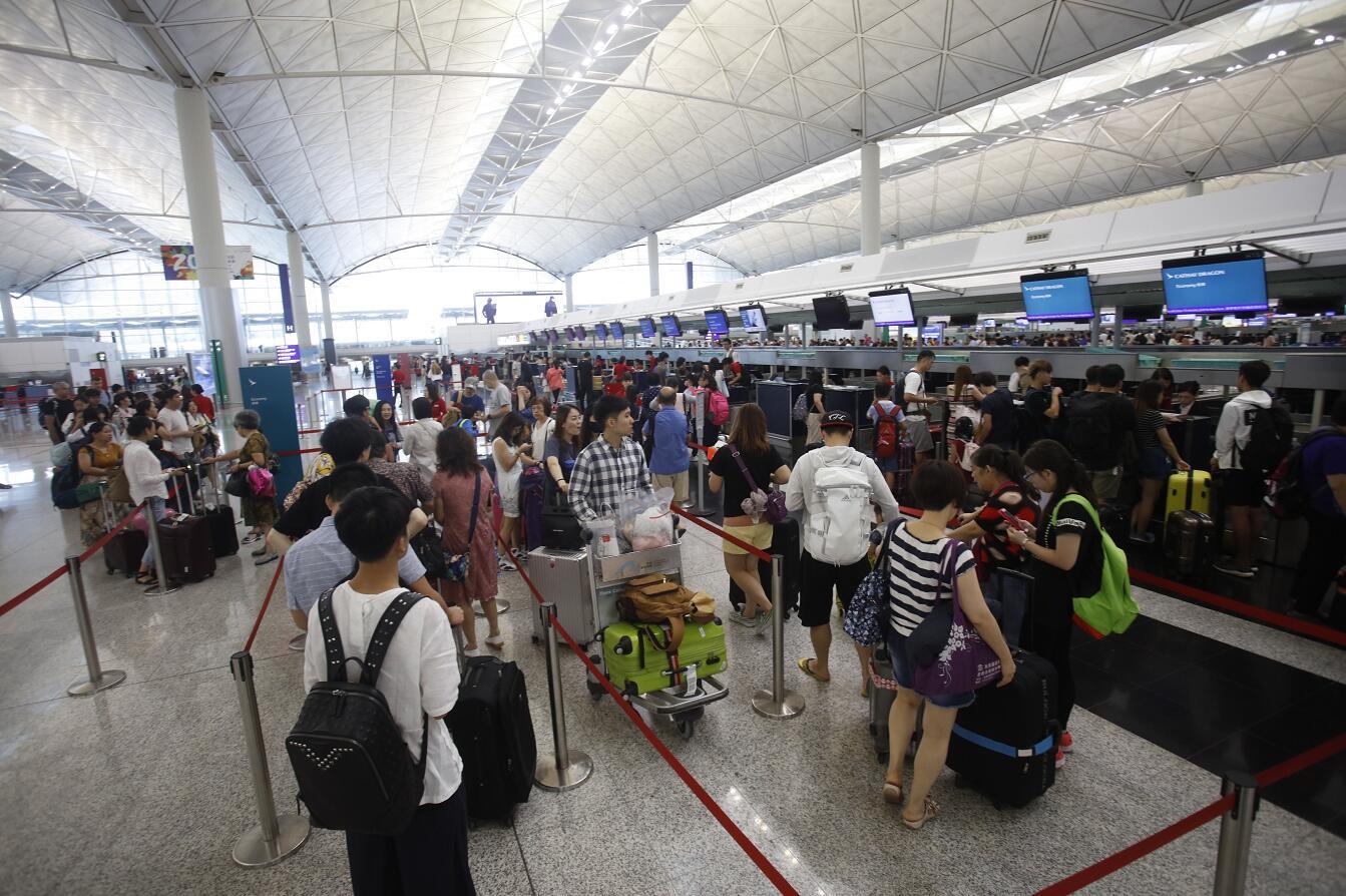 圖為香港機場(文匯報資料圖片)
