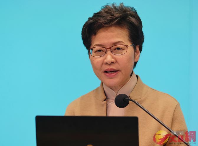 香港特區政府今日公布紓困措施,決定放寬「兩元乘車優惠」至60歲或以上長者適用。(大公文匯全媒體記者麥鈞傑攝)