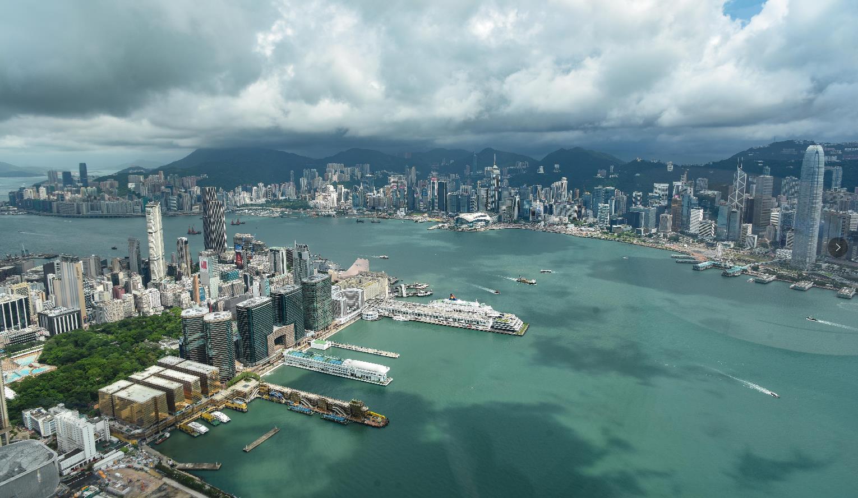 港府發言人指,香港與內地在貿易、旅遊和金融方面加強聯繫,並不會損害香港的自由(文匯報資料圖片)