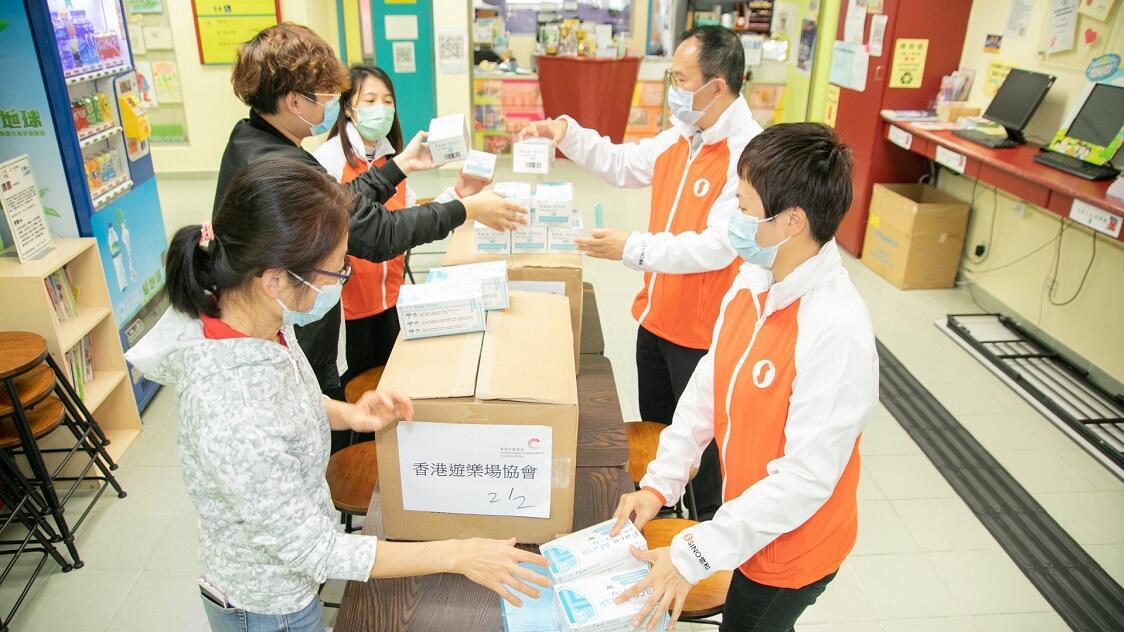 黃廷方慈善基金贈500萬口罩支援本港抗疫(受訪者供圖)