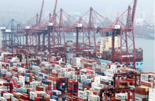 政府統計處公布本港5月出口按年下跌7.4% (中新社資料圖片)