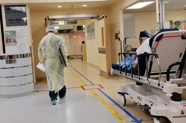 目前共有1100名確診病人分別於15間醫院及鯉魚門社區隔離中心留醫。(中新社資料圖片)